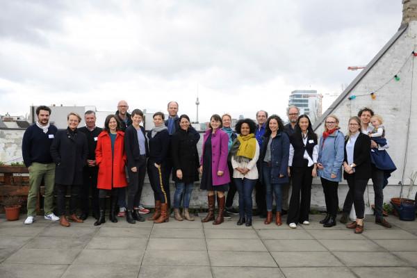 Foto mit dem ganzen denkmodell Team und Gästen